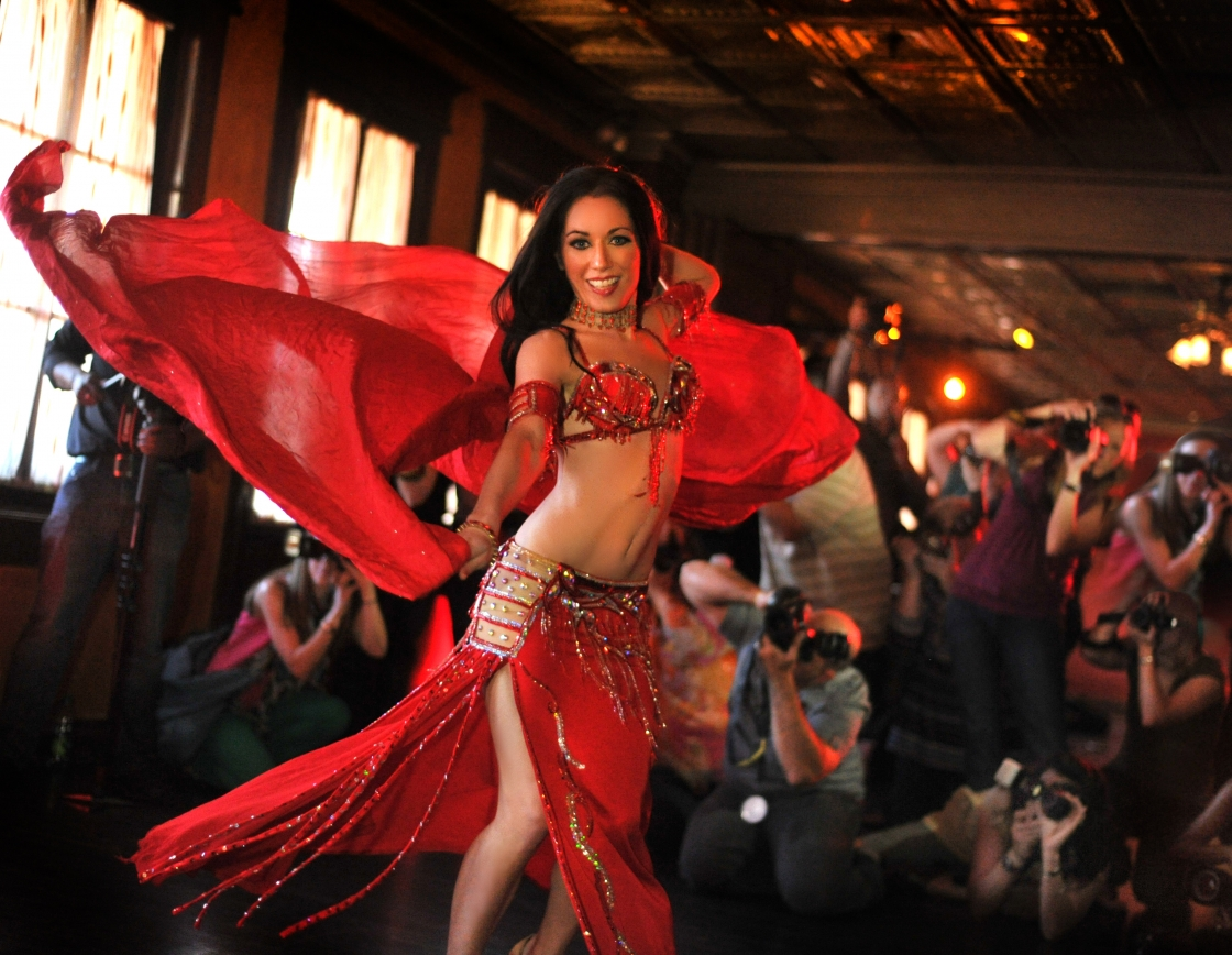 Orlando Belly Dancer for Weddings and Glamorous Events